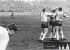 Jaro 1965 - Pokorný a Tauchen objímají střelce branky Zikána