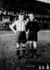Petrovický - kapitán SK Hradec a Lojda Machek - kapitán SK Jugoslavija - 25. března 1925