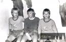 Žáci TJ Náchod 1987 - zleva Jaroš, brankář Bohuška a Miroslav Vodehnal