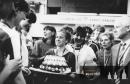 17. květen1987 a  postup do 1. ligy - dort pro kapitánku Doleželovou
