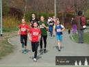 Karolína s číslem 57 - vítězka žákovského přespolního běhu