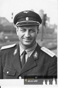 Věroslav Kocour v nádražáckém - 1964